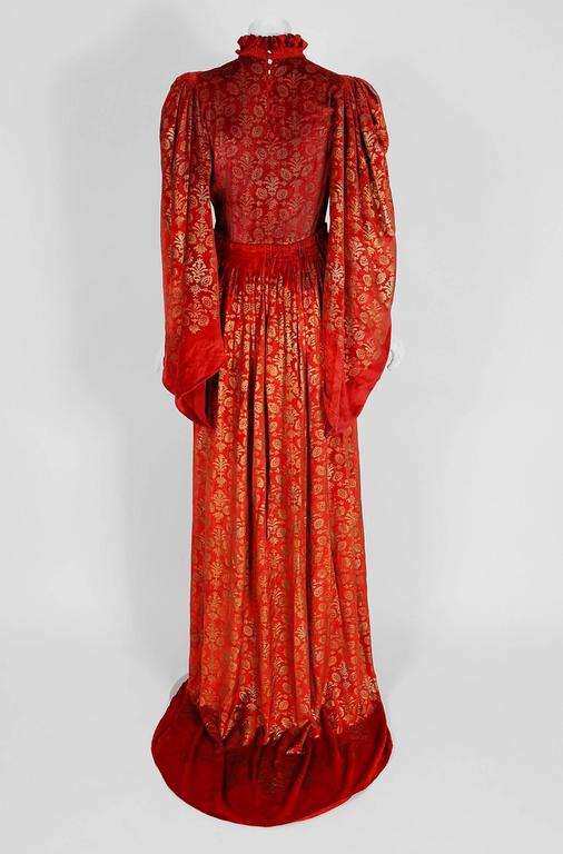 Gallenga Couture Metallic Stenciled Red Velvet Angel-Sleeve Trained Gown, 1920s For Sale 1