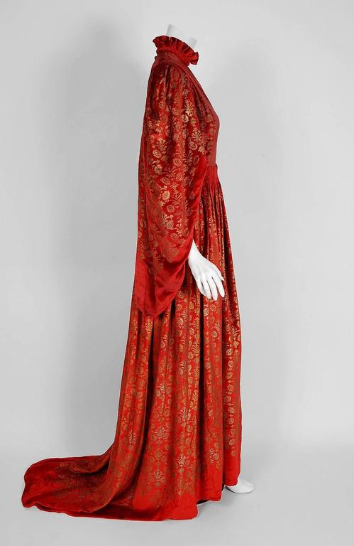 Women's Gallenga Couture Metallic Stenciled Red Velvet Angel-Sleeve Trained Gown, 1920s For Sale