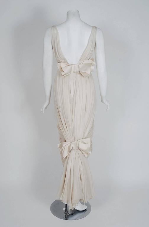 1950's Jean Desses Ivory-White Draped Silk Chiffon Back-Fishtail Goddess Dress In Excellent Condition For Sale In Beverly Hills, CA