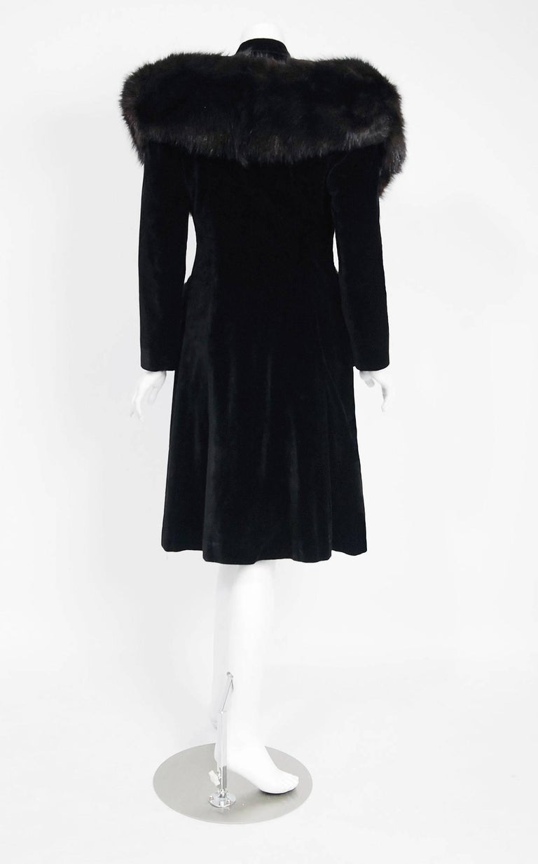 French Black Velvet and Genuine Fox Fur Belted Princess Coat Jacket, 1940s  For Sale 1