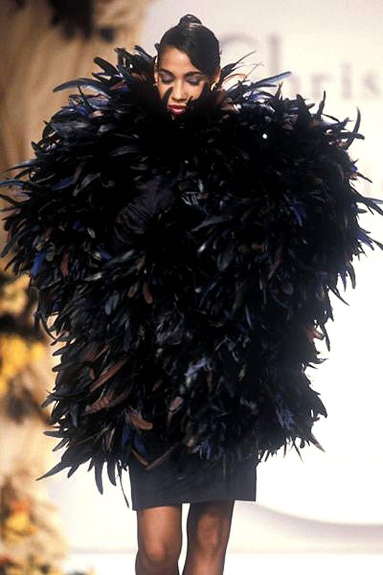 1990 Christian Dior Haute-Couture Black Velvet Feather Hourglass Fishtail Gown For Sale 3
