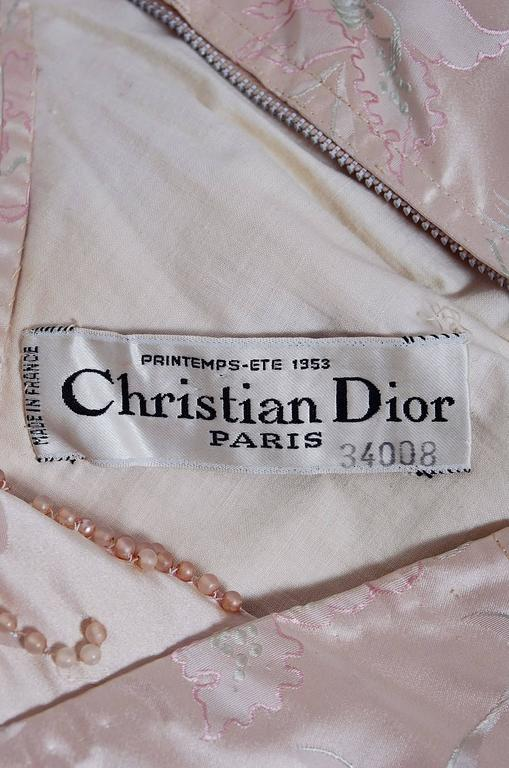 1953 Christian Dior Haute-Couture Beaded Champagne Pink Floral-Print Silk Gown For Sale 1