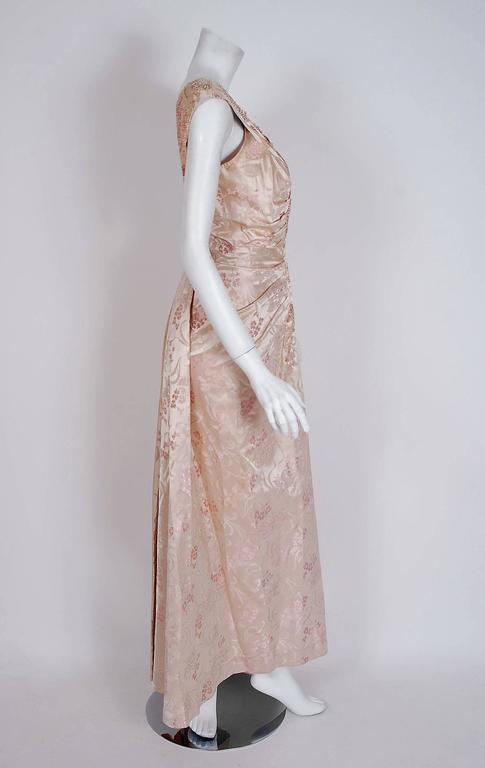 1953 Christian Dior Haute-Couture Beaded Champagne Pink Floral-Print Silk Gown In Excellent Condition For Sale In Beverly Hills, CA