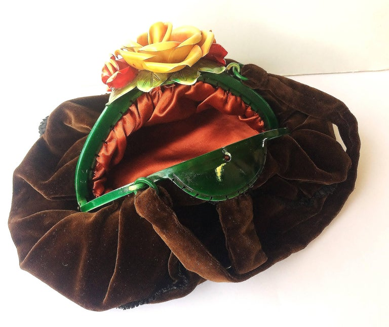 Rare silk velvet handbag with celluloid hand coloured 'rose' clasp, France,1920s In Excellent Condition For Sale In London, GB