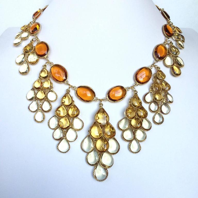 Impressive poured glass and gilt pendant necklace 8
