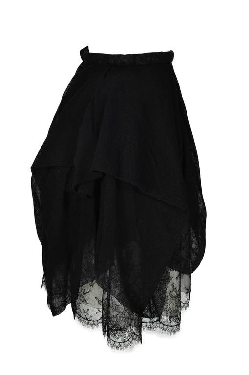 Chanel 2010 Black Tulle and Lace Asymmetric skirt FR34 In Good Condition For Sale In Hong Kong, Hong Kong
