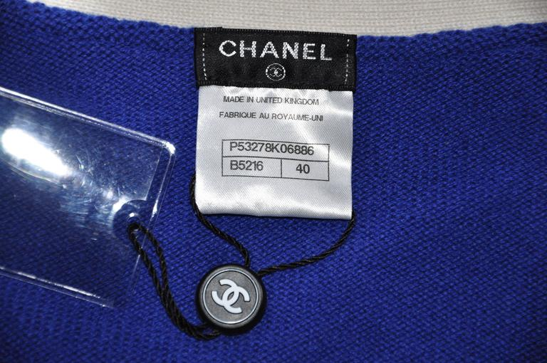Women's Chanel 2016 Cruise Korean collection Bi-color Cashmere Cardigan FR40 New For Sale
