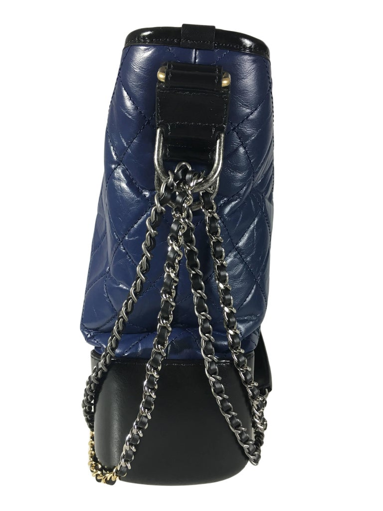 Chanel Black/Navy Gabrielle Large Hobo Bag New In New never worn Condition For Sale In Hong Kong, HK