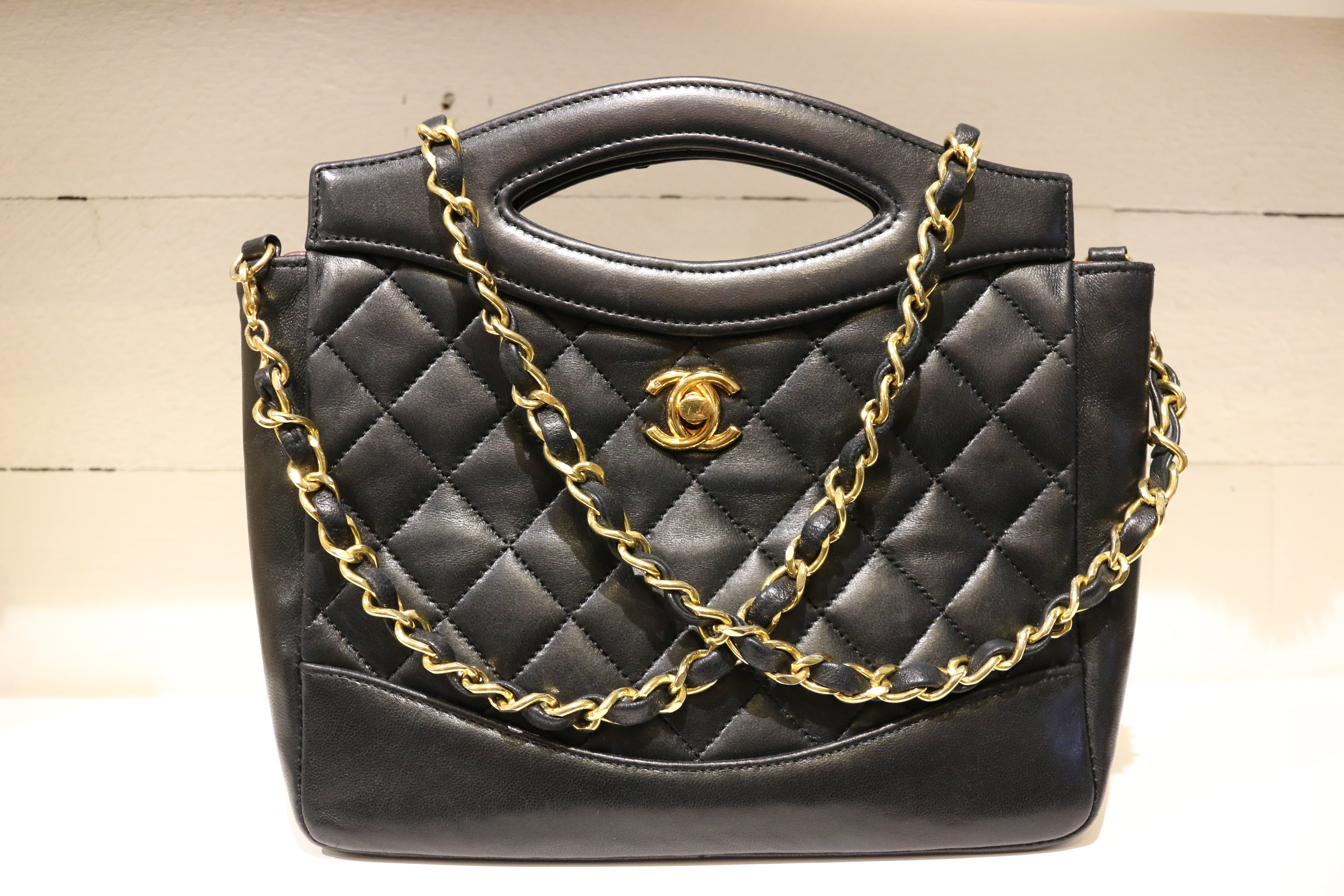 efc83f1d9e7c Chanel Classic Black Quilted Lambskin Leather Two ways Shoulder Bag For Sale  at 1stdibs
