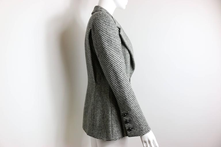 Chanel Classic Wood Black and White Tweed Blazer 5