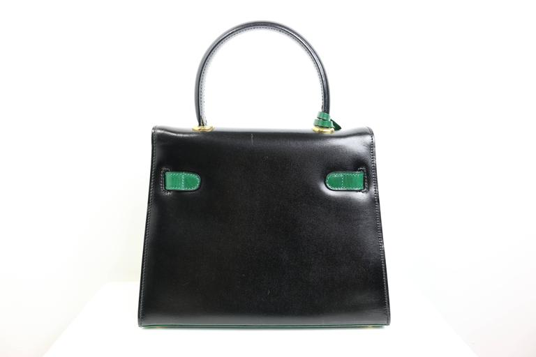 Escada Green and Black Patent Leather Handbag In Excellent Condition For Sale In Sheung Wan, HK