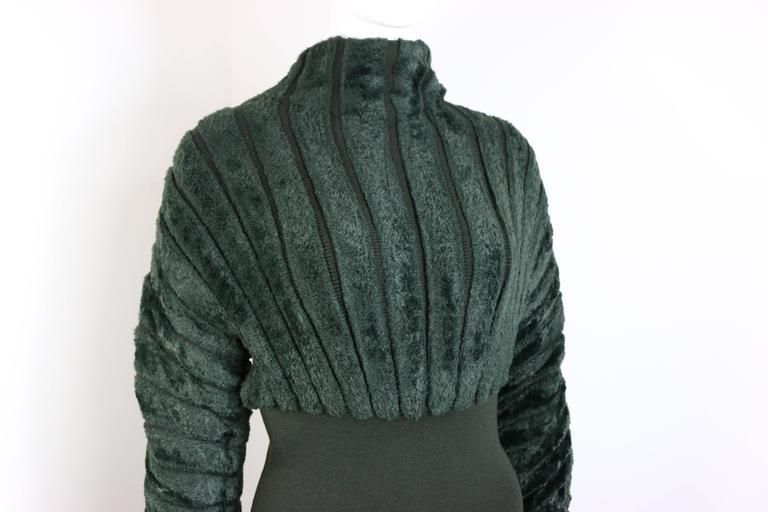 -Vintage 93-94 Azzedine Alaia green dress with chenille turtleneck top and attached spandex pencil skirt.  - Shoulder: 11cm I shoulder to hem: 89cm I Bust: 36cm I Waist: 66cm I Sleeve: 69cm( flexible). I Hip: 26cm. - 45% Wool, 35% Rayon, 18%