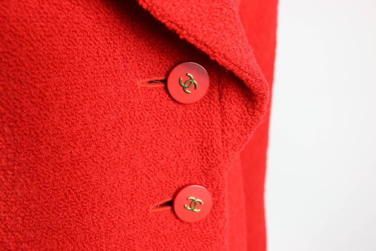 - Chanel red boucle wood jacket from fall 1994 collection.   - 90% Wool, 10 % Nylon. Lining: 100% Silk.   - Size 38 France.