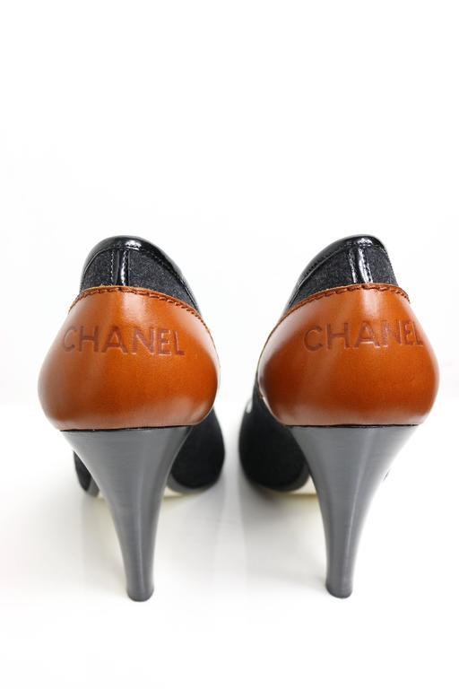 Black Chanel Bi-Colour Pumps For Sale
