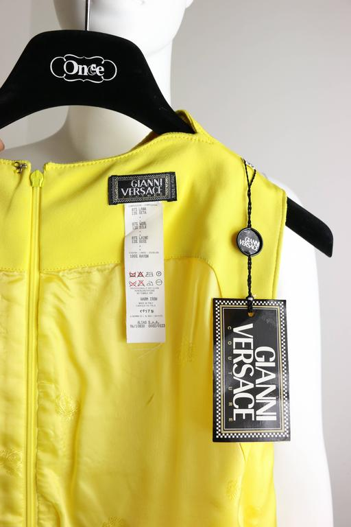 Women's Gianni Versace Couture Yellow Dress With Medusa Zippers For Sale