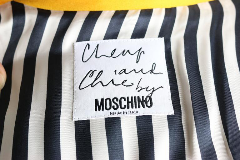 Moschino Double Breasted Cropped Jacket For Sale 2