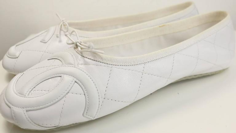 Gray Chanel White Leather Quilted Cambon Flats  For Sale