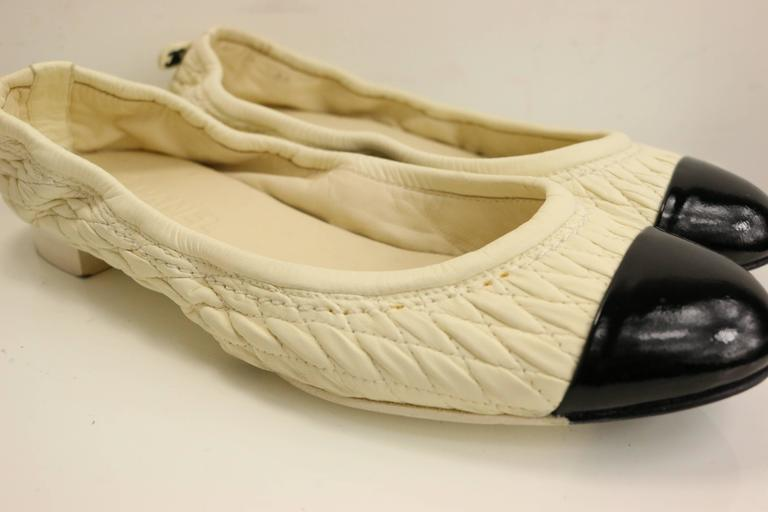 Chanel Bi Tones Quilted White Leather /Black Patent Leather Flats 2