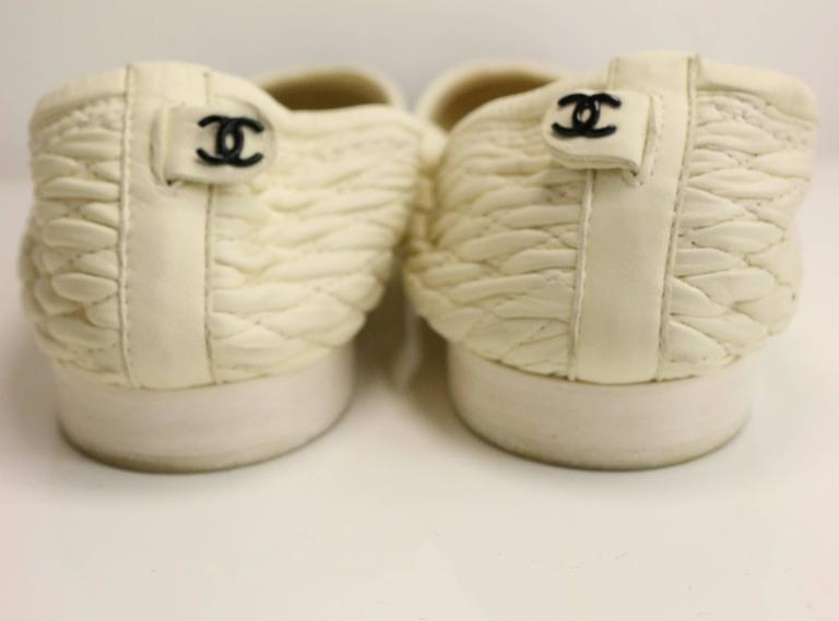 Chanel Bi Tones Quilted White Leather /Black Patent Leather Flats 3