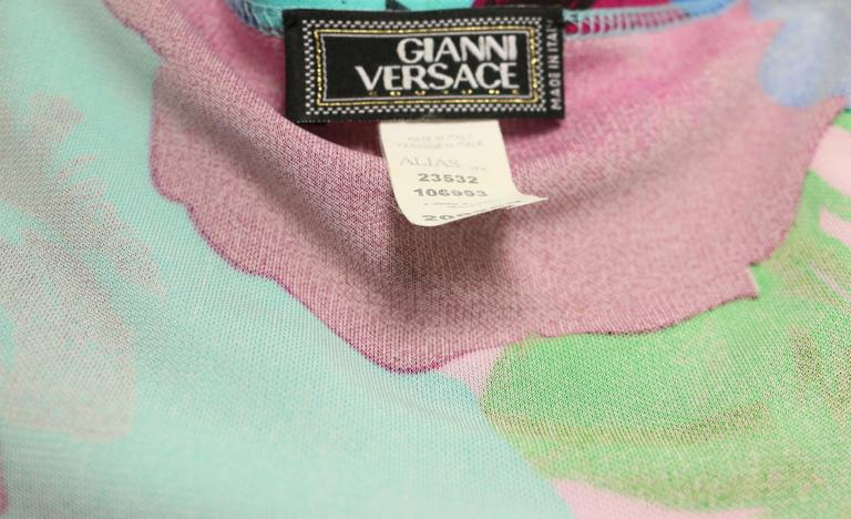 Gianni Versace Couture Colour Floral Print Tank Top  In Excellent Condition For Sale In Sheung Wan, HK