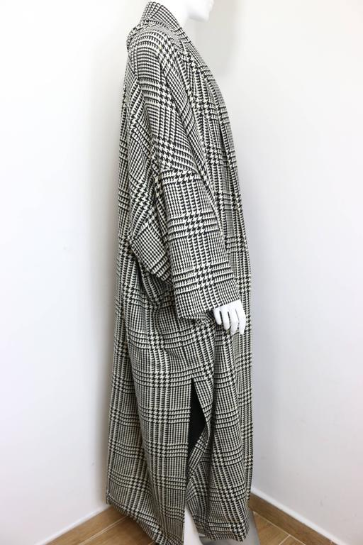 Vintage 90s Iknos Black and White Houndstooth Oversized Long Wool Coat 2
