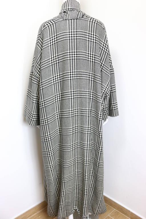Vintage 90s Iknos Black and White Houndstooth Oversized Long Wool Coat 3