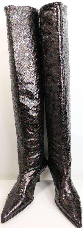 - Gucci by Tom Ford multi colours(bronze, brown, burgundy, purple etc...) python snakeskin slip on long boots.  - Made in Italy.  - Size 38.
