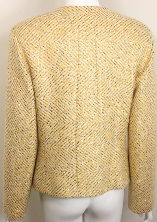- Vintage Chanel gold-tone metallic glitter cream wool chevron tweed shawl jacket from fall 2000 collection.   - Featuring four flattened gold-tone metal