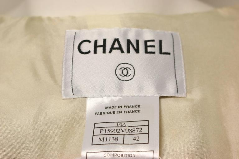 Chanel Gold Toned Metallic Glitter Wool Tweed Jacket In Excellent Condition For Sale In Sheung Wan, HK
