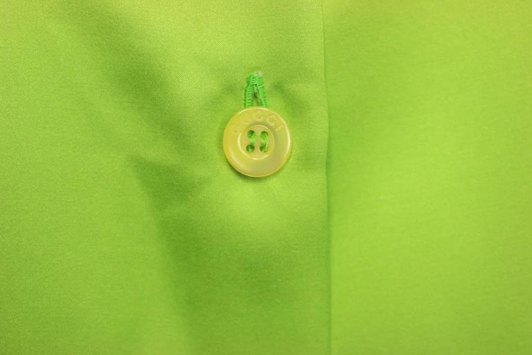 Gucci by Tom Ford Green Satin Silk Shirt In Excellent Condition For Sale In Sheung Wan, HK