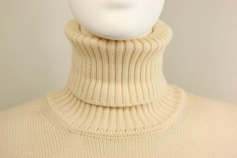 - Vintage Gucci by Tom Ford white wool turtleneck pullover top from Fall 1996 collection. Its a good quality classic item for winter. 