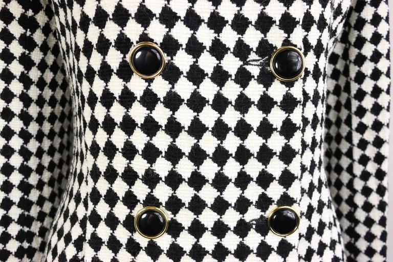 Angelo Tarlazzi Double Breasted Black and White Harlequin Check Coat With Bow  In Excellent Condition For Sale In Sheung Wan, HK