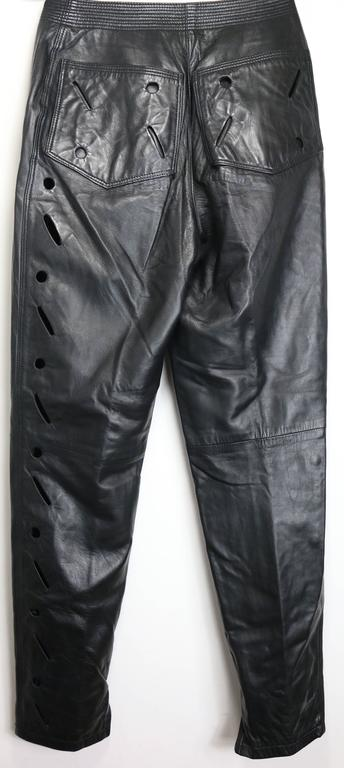 Istante by Gianni Versace Black Leather with Cutout Pattern Pants In Excellent Condition For Sale In Sheung Wan, HK