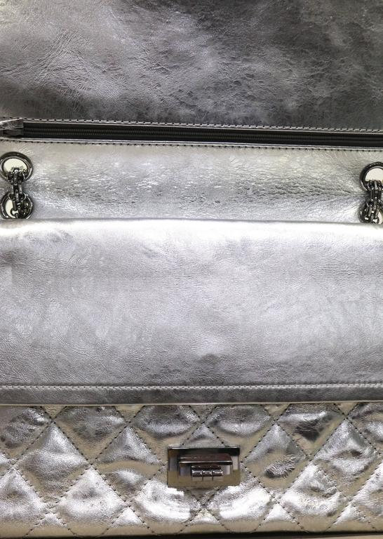 24278c2c4216 Chanel Silver Metallic 2.55 Quilted Calfskin Shoulder Jumbo Double Flap Bag  In Excellent Condition For Sale
