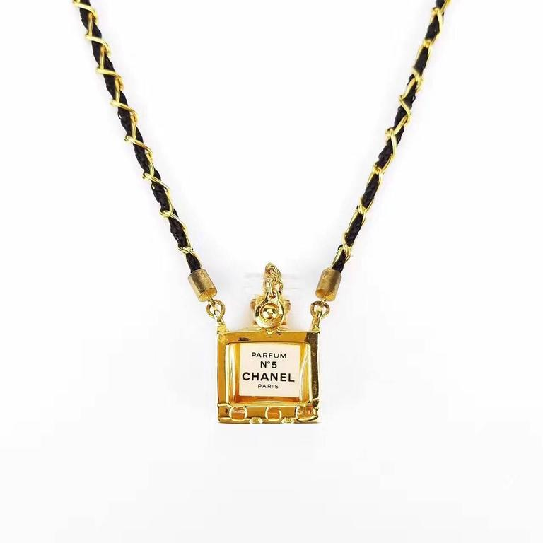 Chanel no5 perfume bottle pendant gold chain necklace for sale at chanel no5 perfume bottle pendant gold chain necklace in excellent condition for sale in sheung wan aloadofball Images