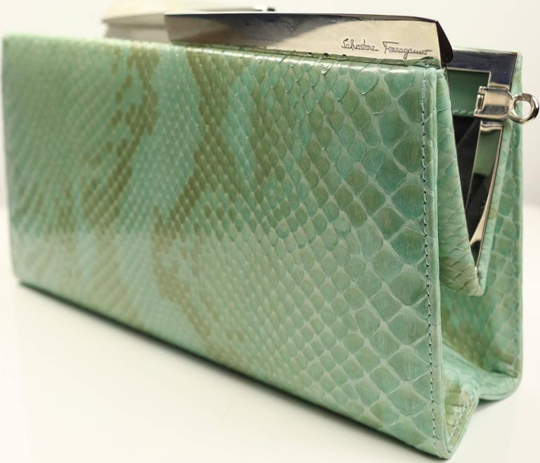 Salvatore Ferragamo Green Python Clutch  In Excellent Condition For Sale In Sheung Wan, HK