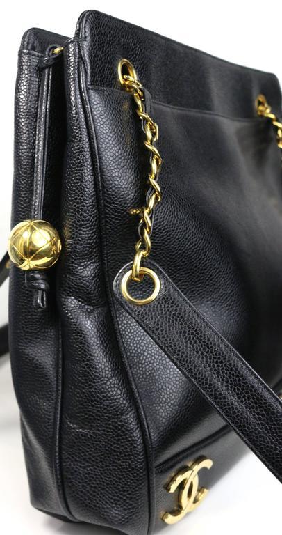 e841e98505ed ... Chain Shoulder Bag In New Condition. Chanel Black Caviar Leather Gold