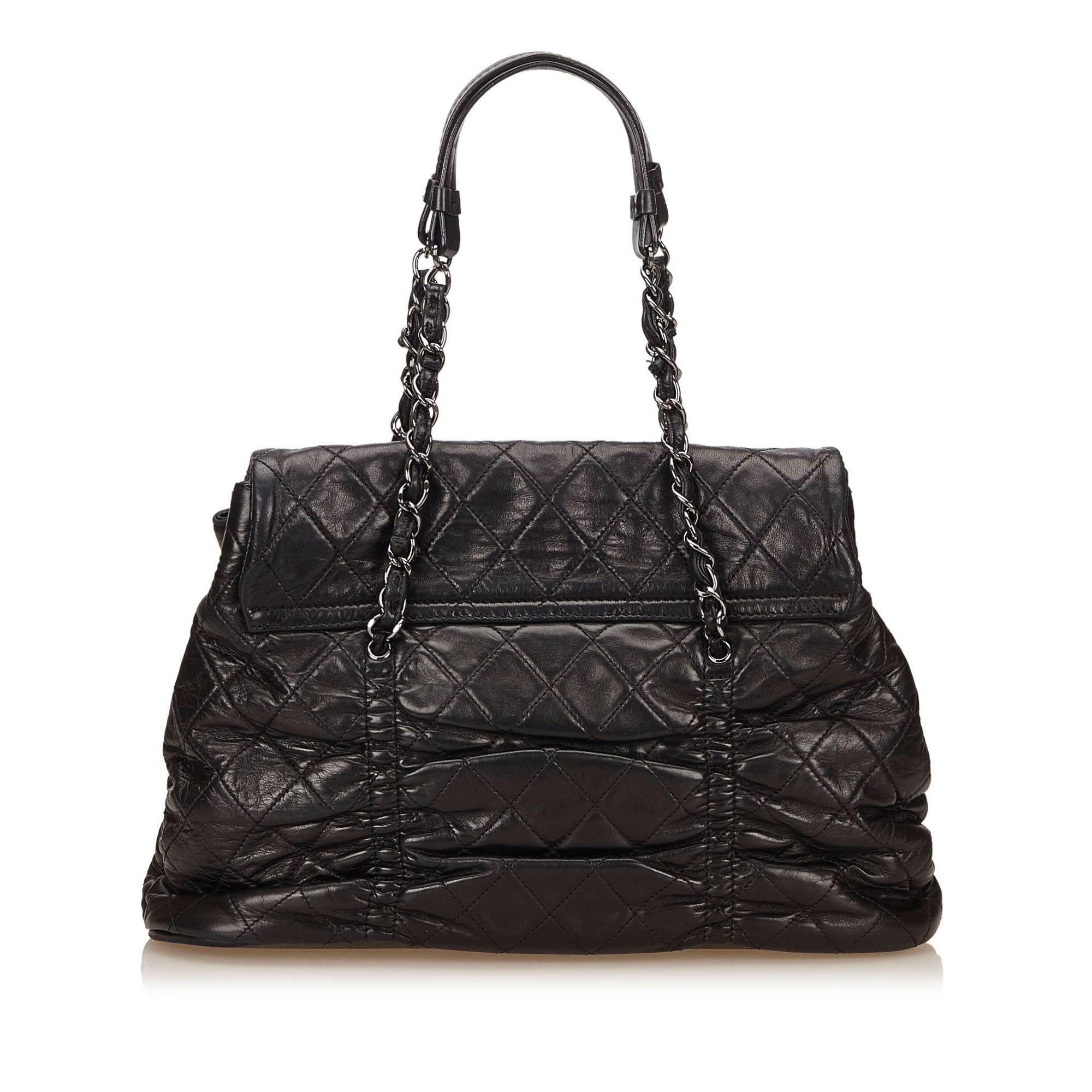 920bd639f32e Chanel Black Quilted Lambskin Leather Matelasse Tote Bag For Sale at 1stdibs