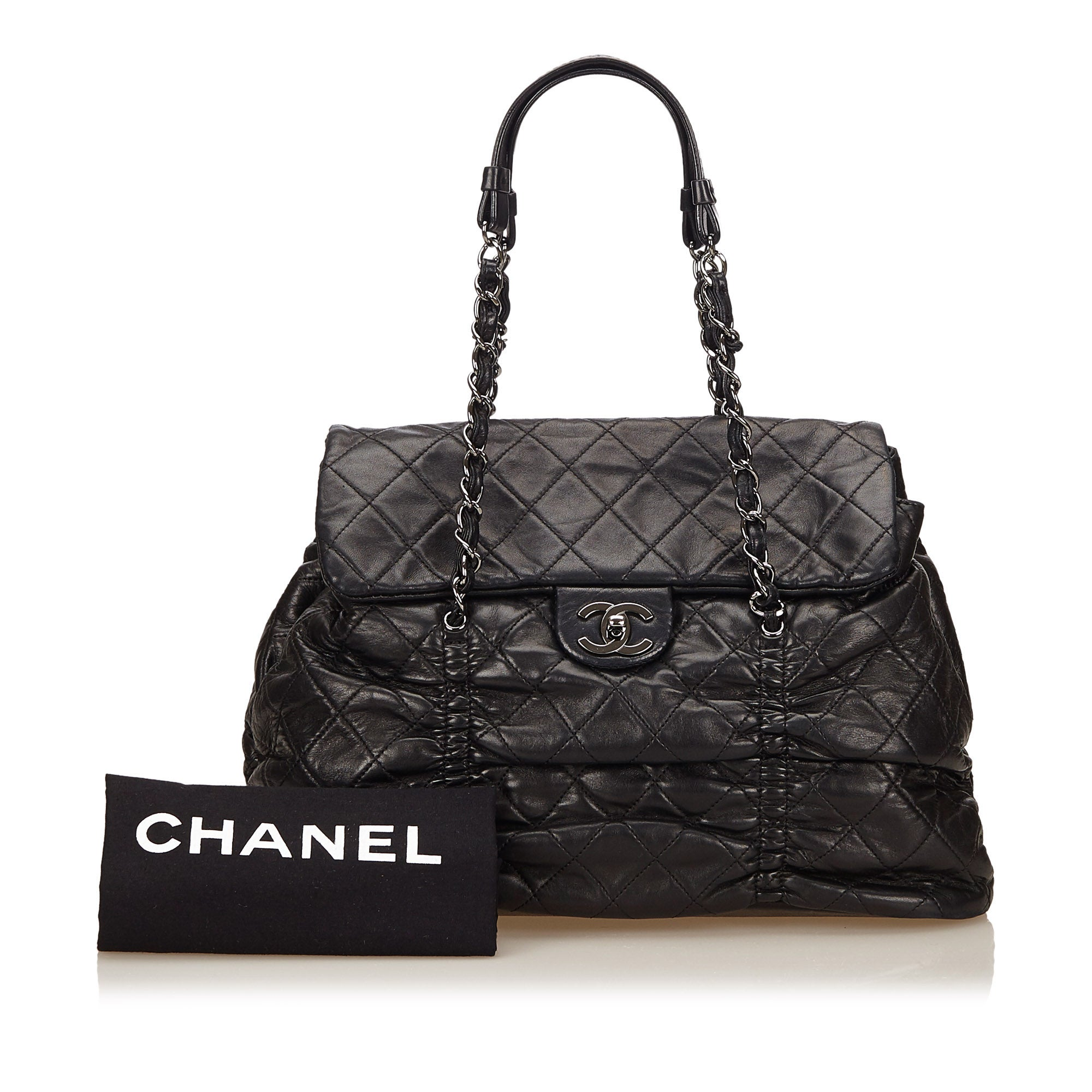 36da186fb903 Chanel Black Quilted Lambskin Leather Matelasse Tote Bag For Sale at 1stdibs