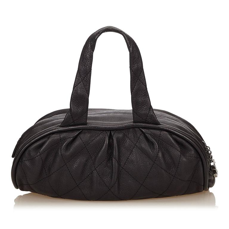 Chanel Black Leather Le Marais Bowler Bag In Excellent Condition For Sale In Sheung Wan, HK