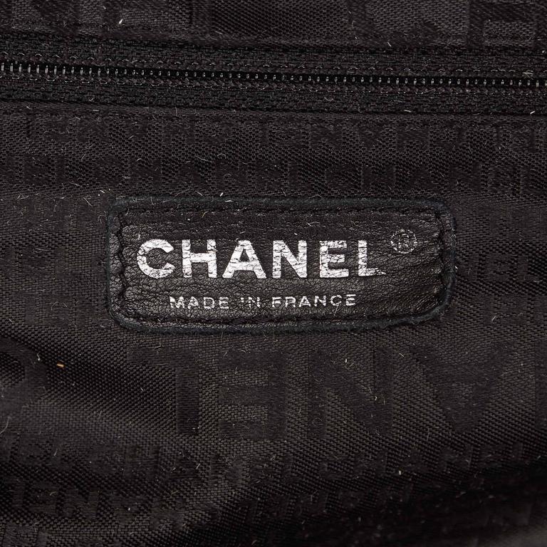 Chanel Black Leather Le Marais Bowler Bag For Sale 2