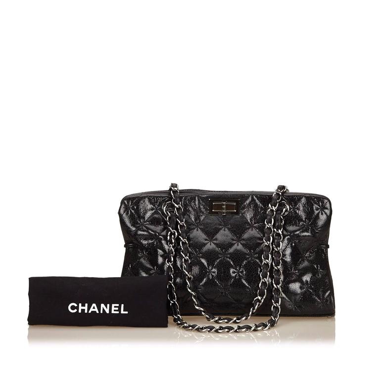 Chanel Black Quilted Patent Reissue 2.55 Chain Shoulder Bag  For Sale 4