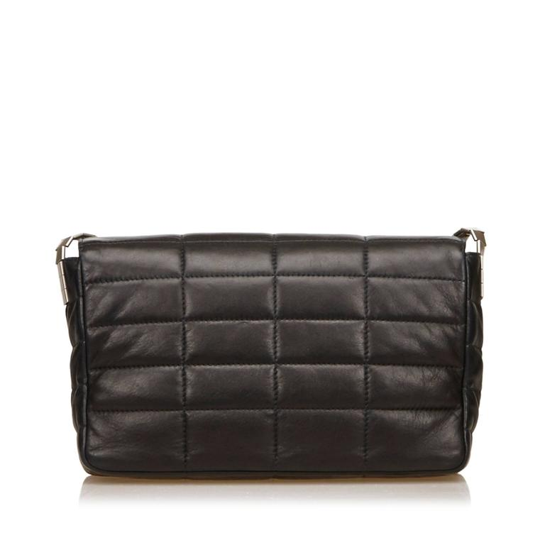 2cf7bce39f85 Chanel Classic Black Lambskin Chocolate Bar Reissue Flap Bag In Excellent  Condition For Sale In Sheung