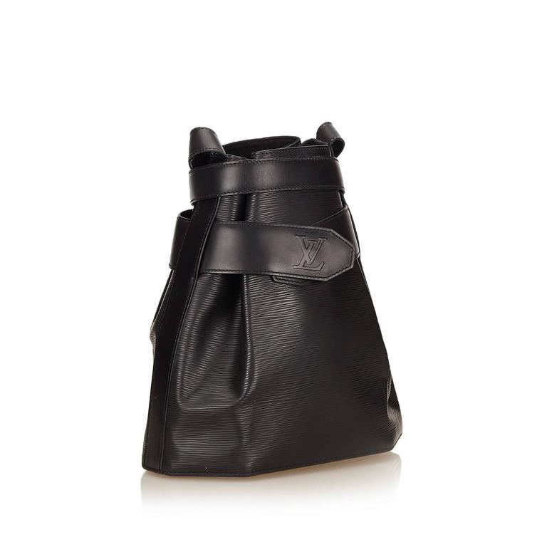 Louis Vuitton Black Epi Leather Sac D'Epaule GM Bag In Excellent Condition For Sale In Sheung Wan, HK