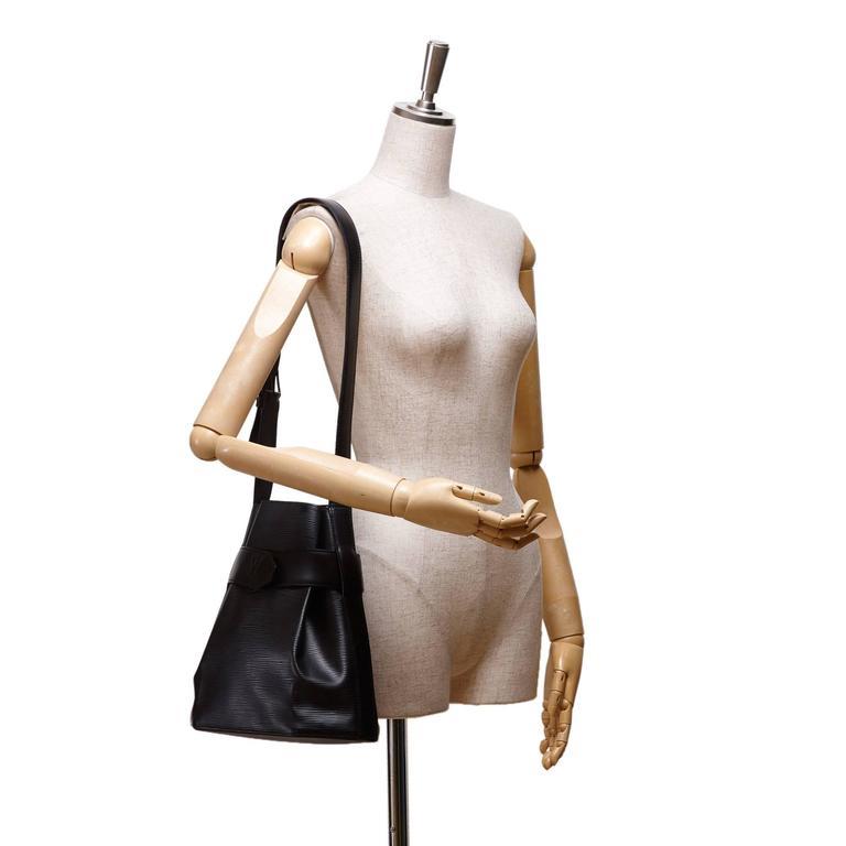 155f4afcaa30 Louis Vuitton Black Epi Leather Sac D Epaule GM Bag For Sale at 1stdibs