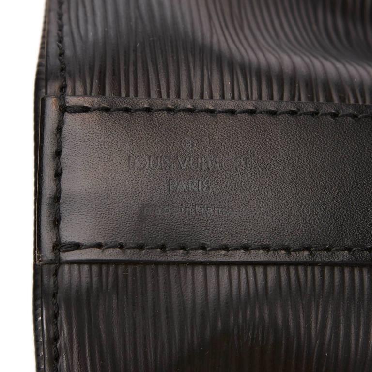 Louis Vuitton Black Epi Leather Sac D'Epaule GM Bag For Sale 3