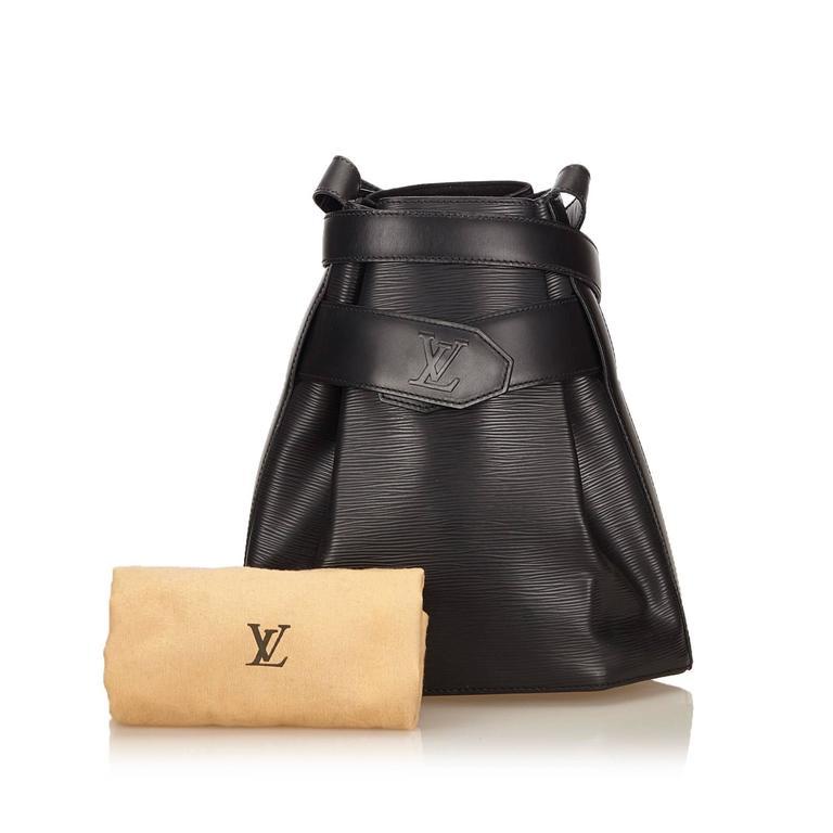 Louis Vuitton Black Epi Leather Sac D'Epaule GM Bag For Sale 5