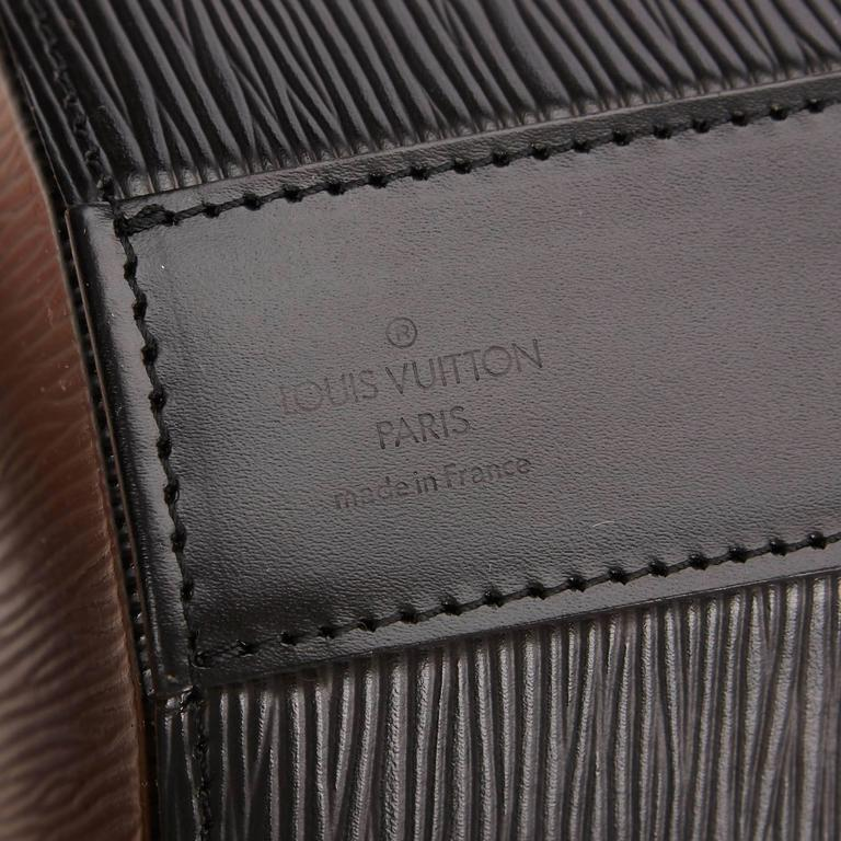 Louis Vuitton Black Epi Leather Sac Seau Bag For Sale 2