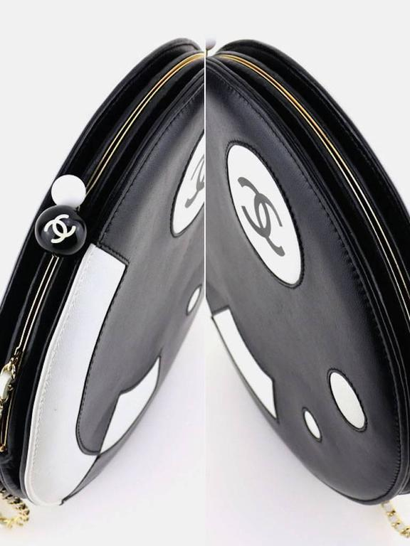 Chanel Black and White Lambskin Round Shaped Shoulder Bag For Sale 1