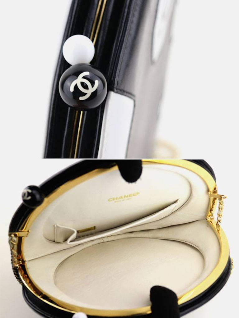 Chanel Black and White Lambskin Round Shaped Shoulder Bag For Sale 2